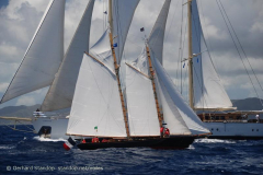 "©Gerhard Stanhop - <u><a href="" http://www.standop.net/voiles/"" style=""color:white"" target=""_blank""> http://www.standop.net/voiles/</a></u>"
